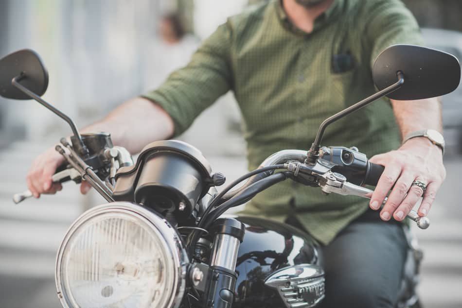 Can I Shift Gears on a Motorcycle Without the Clutch? – Pack Up and Ride